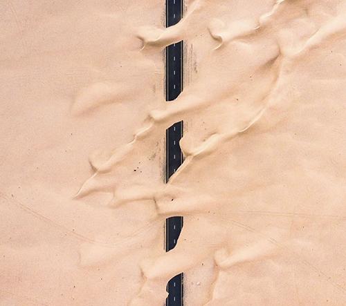 Síla pouště zachycena na fotkách Irenaeusa Heroka