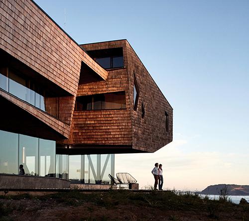 Mobil Arquitectos navrhli v Čile hotel Tierra Chiloe inspirovaný přírodou a tradicí