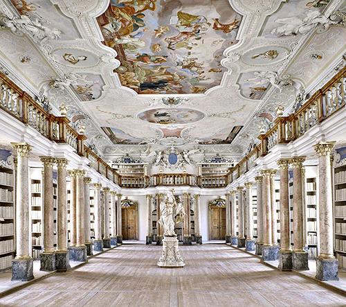 Massimo Listri zve na prohlídku nejkrásnějšími knihovnami světa