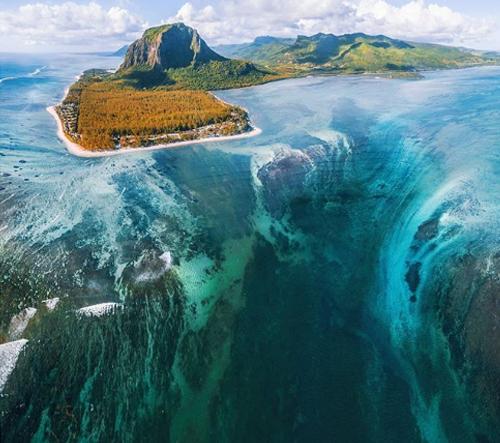 10 míst na Zemi, která vypadají jako z jiné planety