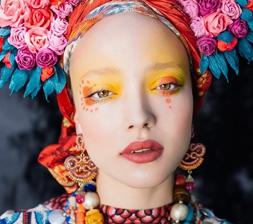 Polské umělkyně Ula Kóska a Beata Bojda vytvořili úchvatné modely inspirované tradicemi