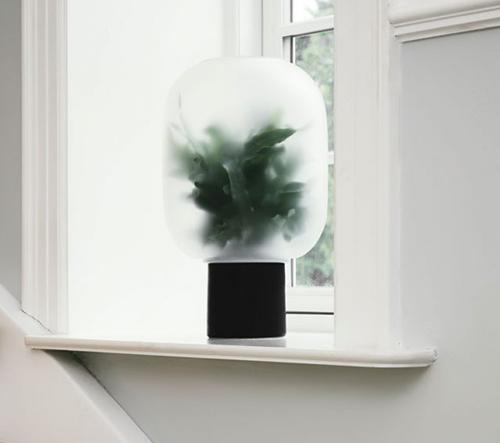 Studio Rem navrhlo sérii váz, které dokonale evokují mlhavou atmosféru