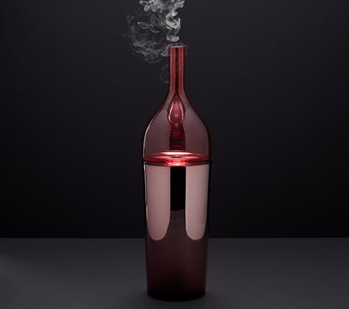 Designér Sacha Walckhoff vytvořil pro českou značku Verreum tajemnou sérii inspirovanou alchymií