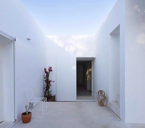 Pedro Domingos navrhl v portugalském Faru snový dům Casa Luum