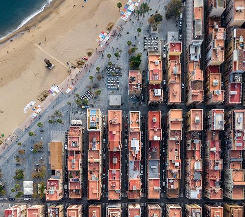 Barcelona z ptačího pohledu odhaluje unikátní geometrické vzory