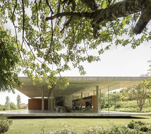 Casa Redux je dechberoucí modernistická brazilská vila, která rozdělila manželský pár