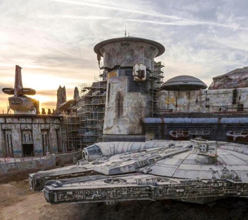Disneyland otevírá realistický zábavní park Star Wars: Galaxy's Edge