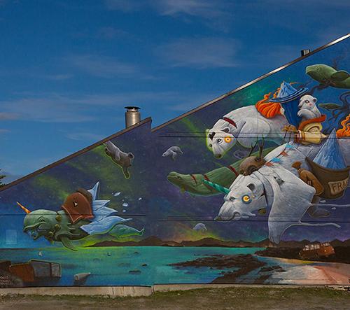 Street artista Dulk vytváří muraly z říše zvířat inspirované starobylými encyklopediemi