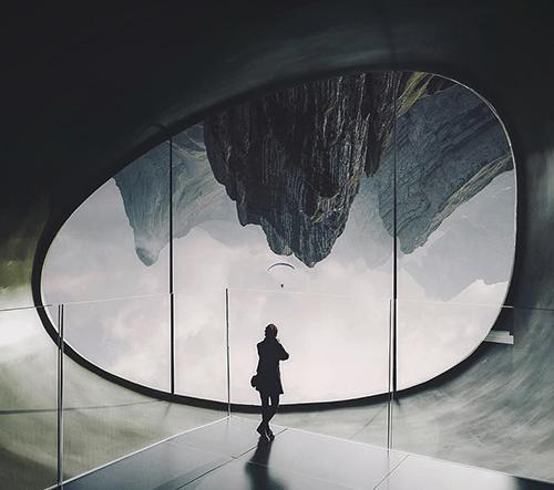 Paul Viollet představuje surreáĺní sérii fotografií Anomaly