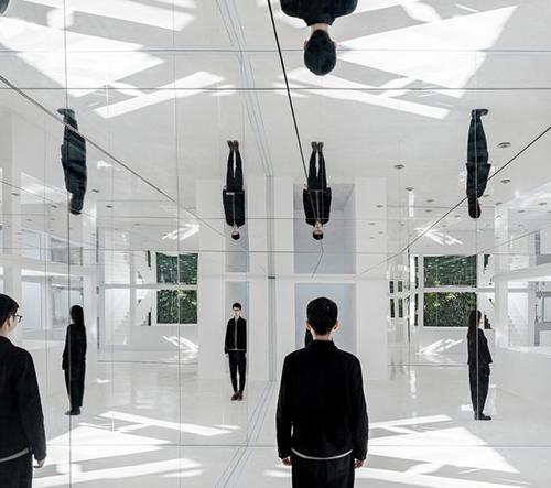 Mirror Garden je nový pekingský zrcadlový butik z dílny Archstudia