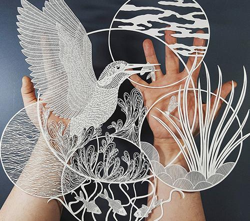 Pippa Dyrlaga vyřezává z papíru působivé umělecké díla