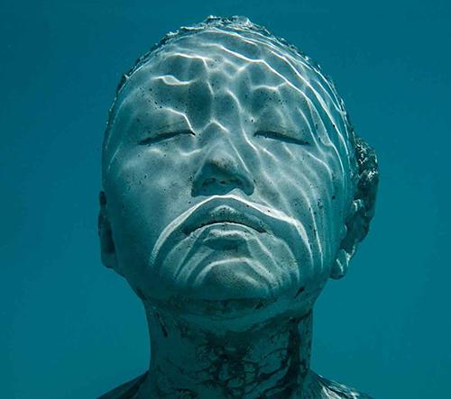 Jason deCaires Taylor vytvořil na Maledivách podmořské muzeum