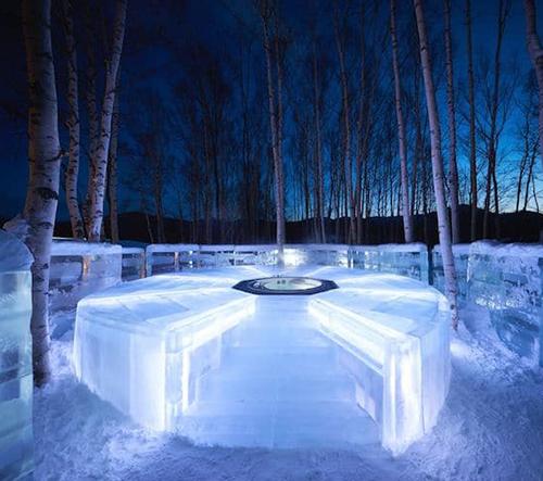 V Japonsku otevřeli luxusní ledový hotel