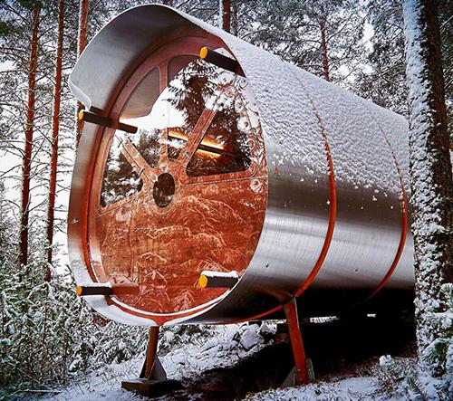 Studio Tree Tents navrhlo lesní přístřešek inspirovaný kosmickými tělesy