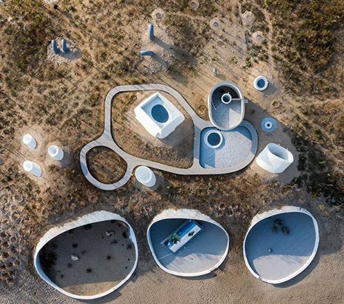 OPEN architecture otevřeli v Číně muzeum umění umístěno v písečné duně