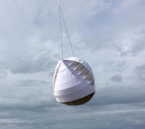 Britští studenti navrhli větrnou turbínu O-Wind vyrábějící ekologickou elektřinu