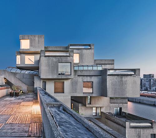 V Montrealu otevřeli brutalistní experimentální obytný objekt Habitat 67