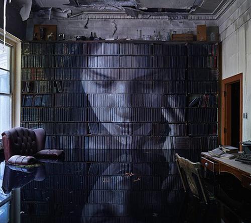 Australský street artista Rone přetvořil opuštěnou rezidenci v dechberoucí umělecké dílo korunované jeho dokonalými muraly
