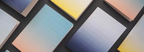 Zápisníky od onedesignspace zachycují čas ve třech různých barevných přechodech