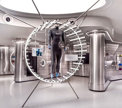 Studio Ministry of Design navrhlo v Singapuru futuristickou sport prodejnu