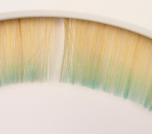 Hodiny vyrobené z vlasů designérky Biny Baitel