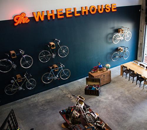 Spojení cyklistiky a kávy v jedinečné kavárně The Wheelhouse