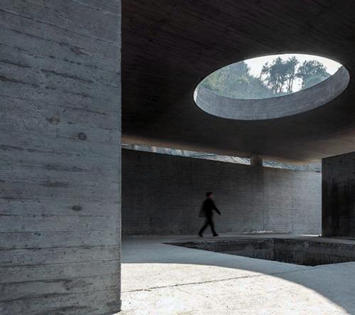 Line+ Studio a Greenton Architecture Design navrhli v Číně spektakulární betonový čajový dům