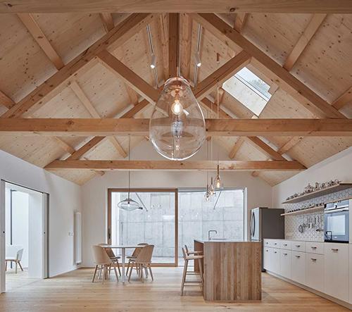 Studio Atelier 111 architekti zrekonstruovalo v pražských Jinonicích rodinný dům v dechberoucí moderní bydlení