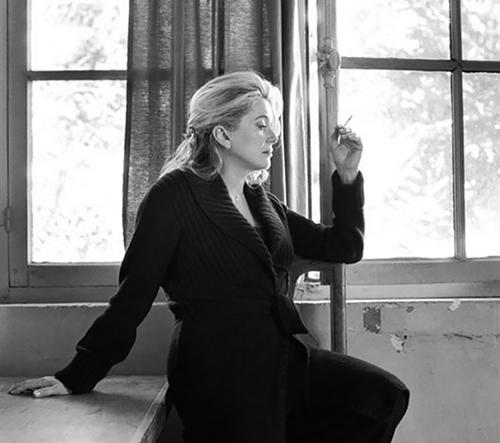 Kate Barry zachycuje eleganci slavných žen