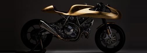 Masaharu vytvořil zlatý motocykl Aellambler