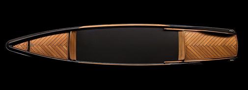 BorromeodeSilva navrhli luxusní kánoi z uhlíkových vláken a teakového dřeva