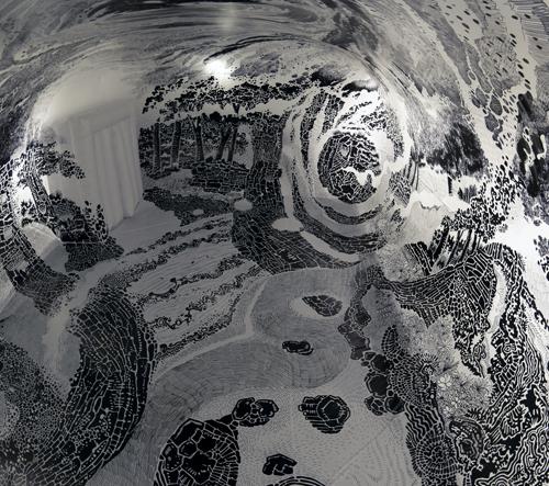 Oscar Oiwa použil 120 fixů po vytvoření této 360-stupňové kresby