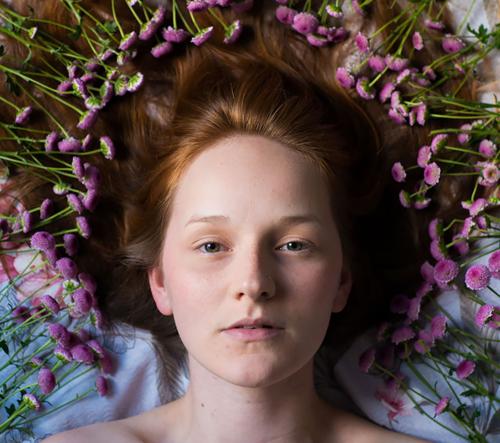 Brazílský fotograf vytvořil sérii fotek o květinách a lásce