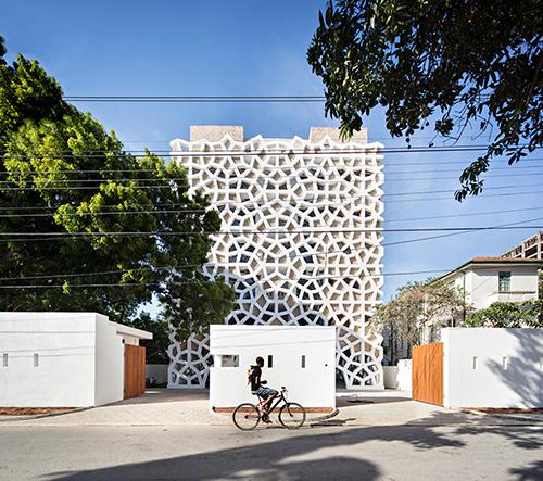 Urko Sanchez zabalil apartmány v Keni do dýchající pokožky