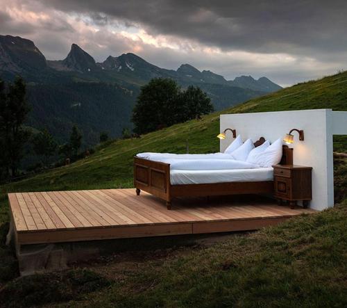 Zero Real Estate Hotel nabízí tři pokoje v horách pod širým nebem