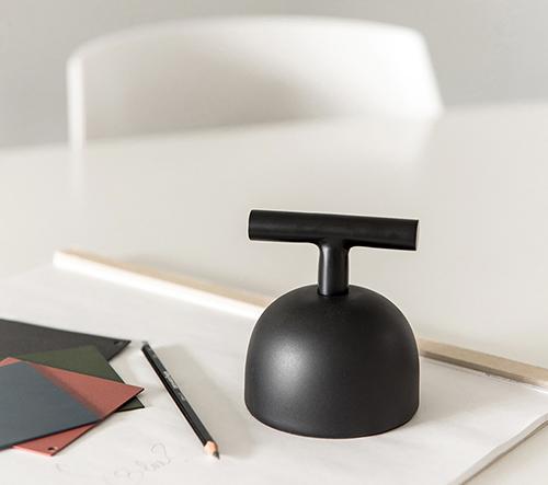 Alain Gilles navrhl pro značku XL BOOM sadu hravých kancelářských doplňků