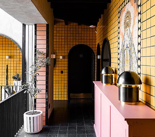 AG Studio navrhlo v Mexiku pestrobarevný hotel inspirovaný místním uměním