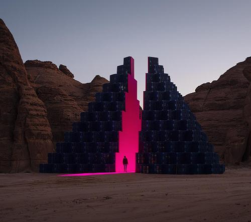 Saúdská Arábie pořádá v poušti výstavu monumentálních uměleckých děl