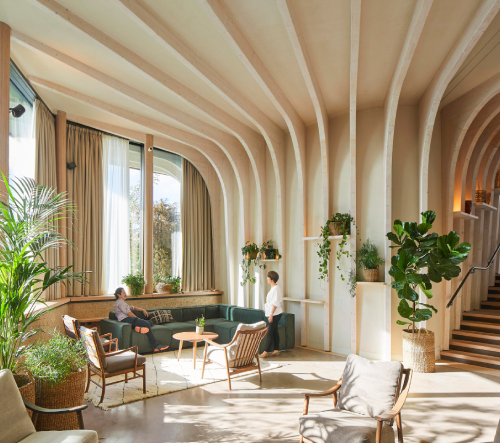 Heatherwick Studio navrhlo v Anglii zelené centrum pro pacienty s rakovinou