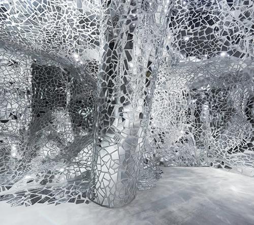 Bureau Betak navrhuje zrcadlový pavilon pro prědstavení kolekce jaro 2017 od Dior