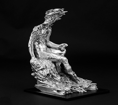 Umělec Zachary Eastwood-Bloom představuje deformované sochy řeckých bohů