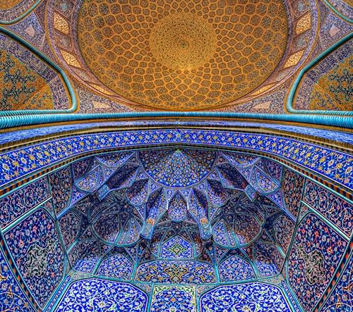 Fatemeh Hosein Aghaei zachytává dechberoucí krásu íránských mešit