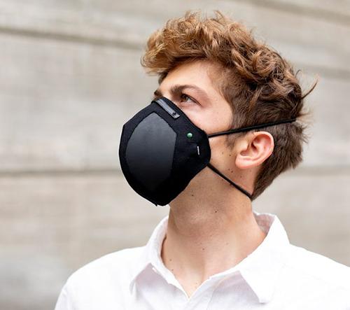Američané vyvinuli masku zabíjející viry a bakterie pomocí grafenu