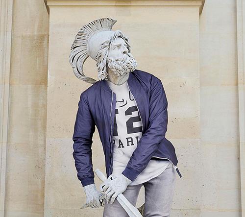 Léo Caillard obléká klasické postavy do módného oblečení
