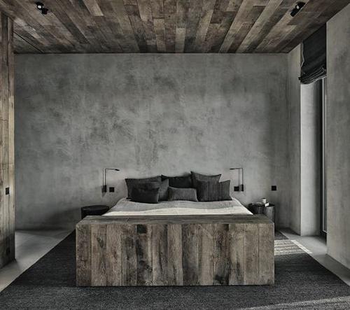 Vincent Van Duysen navrhl v Antverpách luxusní apartmán z dřeva a betonu