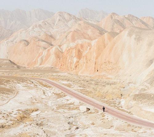 Yuri Andries nafotil dechberoucí záběry Nové hedvábné stezky v Číně