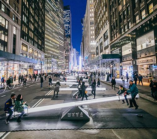 Newyorské ulice se díky projektu Impluse změnily v obrovské hrací hřiště