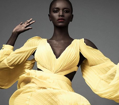 Elena Iv-skaya vyzdvihuje krásu afrických žen