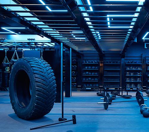 V podzemí v centru Londýna vzniklo stylové fitcentrum KXU London