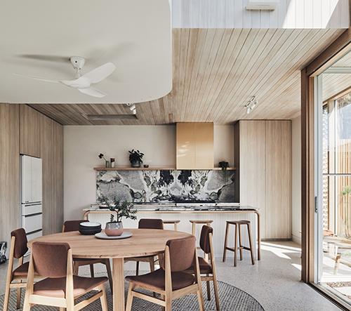 Studio Timmins + Whyte zrekonstruovalo v Melbourne dům z 19. století v opravdový skvost